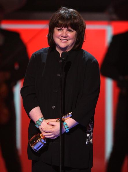 Linda Ronstadt Announces She Has Parkinson's Disease; Will Never Sing Again