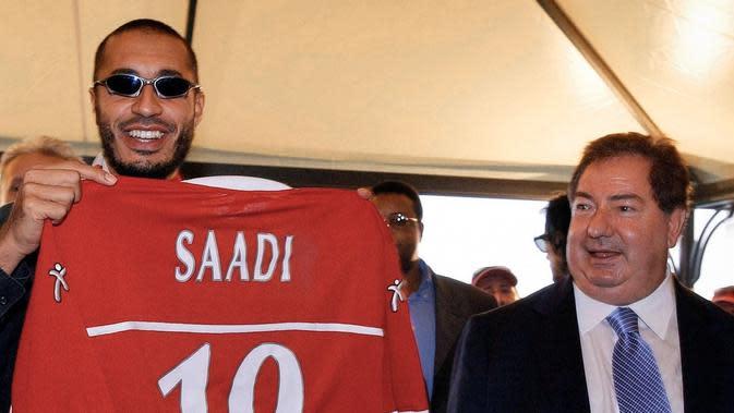 Luciano Gaucci dan Gaddafi Al-Saadi. (Dok. These Football Times)