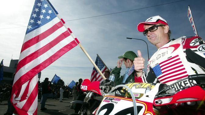 Juara dunia MotoGP 1993, Kevin Schwantz bicara mengenai gaya balap pembalap Repsol Honda, Marc Marquez. (JOHN THYS / BELGA / AFP)