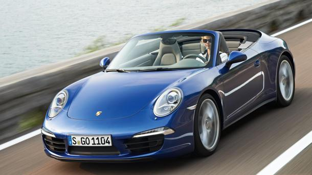 2013 Porsche 911 Carrera 4S brings all wheel drive to the party