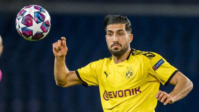 3. Emre Can (Borussia Dortmund) - Pemain berusia 26 tahun ini memiliki kemampuan bermain di berbagai posisi. Emre Can sendiri adalah seorang pemain gelandang, namun ia mampu dimainkan sebagai bek kanan atau bek tengah di Borussia Dortmund. (AFP/Alexandre Simoes/GETTY/UEFA)