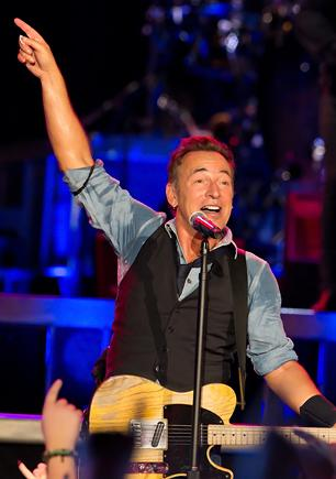 Bruce Springsteen Outlines His Support for Obama