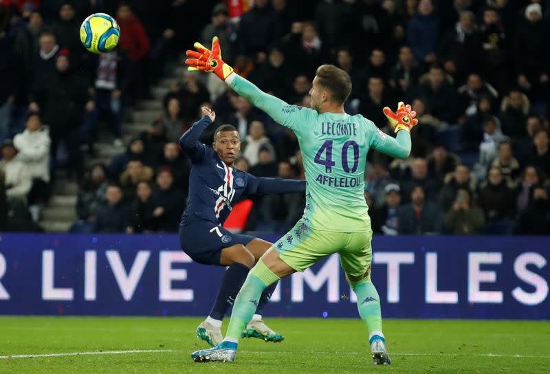 PSG's defence exposed in 3-3 draw with Monaco
