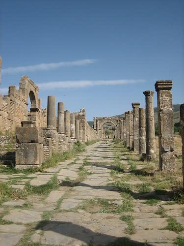 مدينة جميلة الاثرية....اثار رومانية غاية في الروعة. 1142601626_a2fe721e7