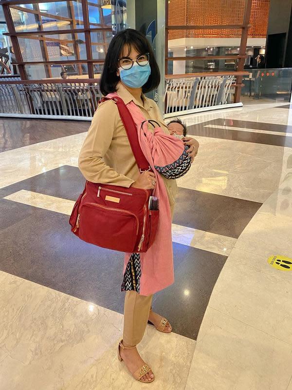 Vanessa Angel Usai Melahirkan, Tampil Langsing (Sumber: Instagram/vanessaangelofficial)