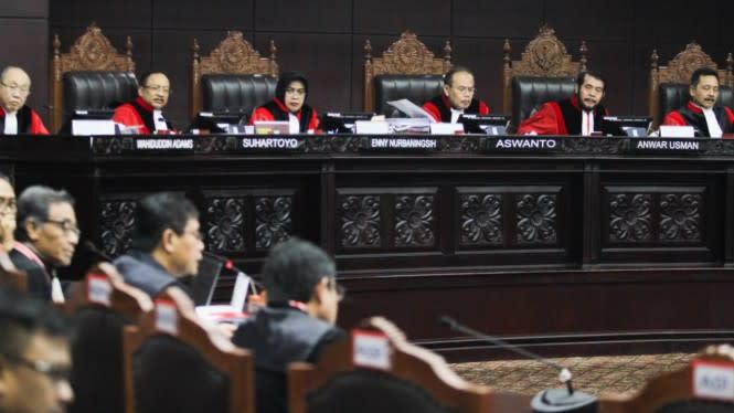 Pemerintah Usulkan Usia Maksimum Hakim Konstitusi di RUU MK