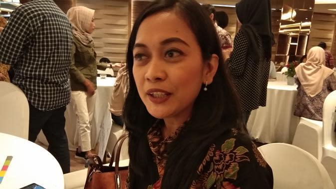 Fransisca Shinta Maharini, dosen program studi sarjana gizi dari STIKES Panti Rapih, Yogyakarta menjelaskan tentang makanan tradisional Yogyakarta growol yang punya manfaat bagi pasien diabetes (Liputan6.com/Giovani Dio Prasasti)
