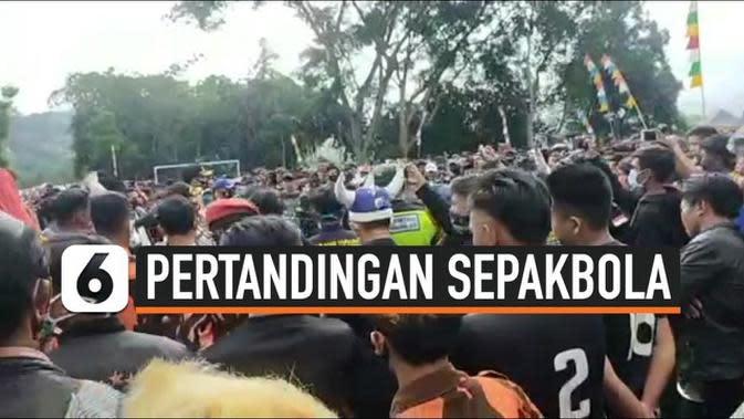 VIDEO: Pertandingan Sepakbola Dibubarkan Khawatir Jadi Klaster Covid-19