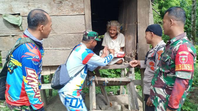Perjuangan TNI Sambangi Warga di Pedalaman Polewali Mamasa