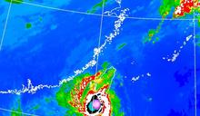 閃電颱風暴風圈壟罩 台東、恆春半島時雨量破60毫米