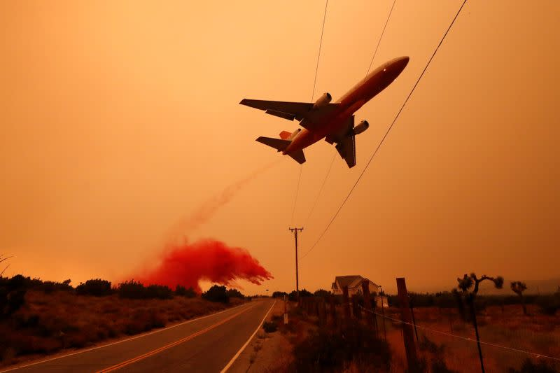 Showers bring relief to fire-ravaged Oregon as death toll rises in California