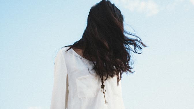 Kalau nggak mau merasa serba salah, kamu harus pahami cara pacarmu yang introvert menghadapi situasi. (Foto: unsplash.com)