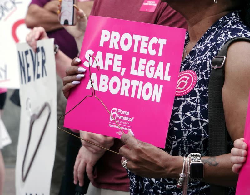 U.S. judge strikes Tennessee abortion law requiring 48-hour waiting period