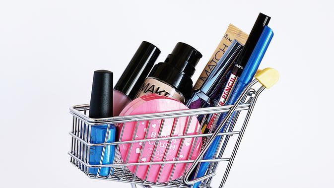 ilustrasi tips belanja kosmetik saat new normal/pexels