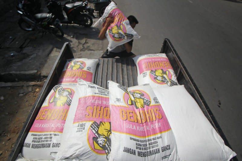 Bulog Jatim operasi pasar gula untuk menekan harga