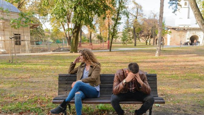 Ilustrasi pasangan bertengkar. (dok. foto Vera Arsic/Pexels/ Brigitta Bellion)
