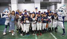富邦》悍將新北市棒球教室巡迴 張進德、范玉禹前進新北光華國小