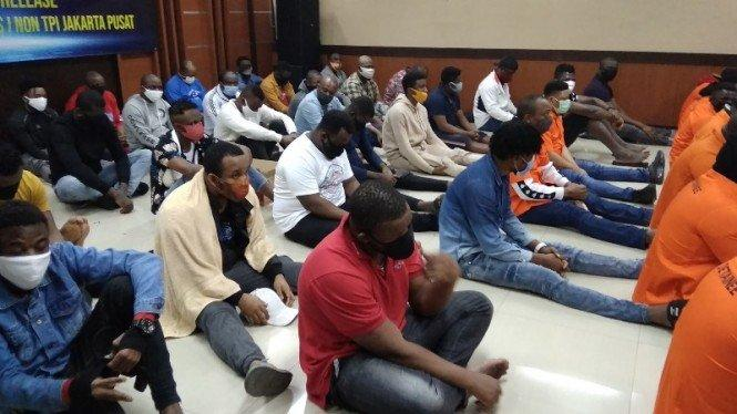 Melebihi Izin Tinggal, 44 WNA Ditangkap Kantor Imigrasi Jakarta