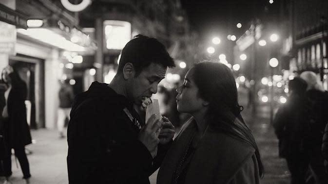 Momen Mesra Raffi dan Gigi di London yang Romantis Abis (sumber:Instagram/raffinagita1717)
