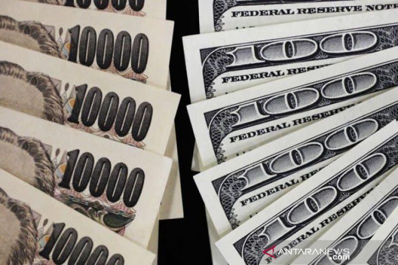 Dolar AS di kisaran garis 105 yen pada awal perdagangan di Tokyo