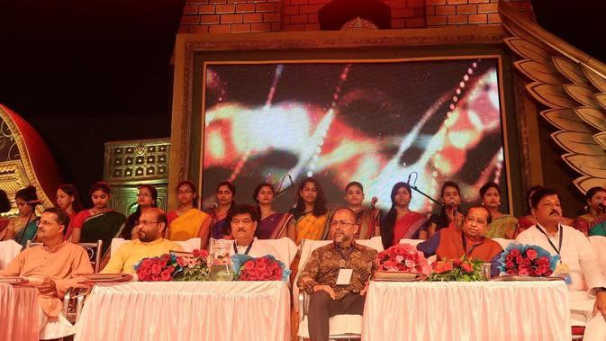 Dubes RI untuk India dan pejabat India pada Festival Bali Yatra di Odisha, India (14/11/2019) (Liputan6.com/Facebook)