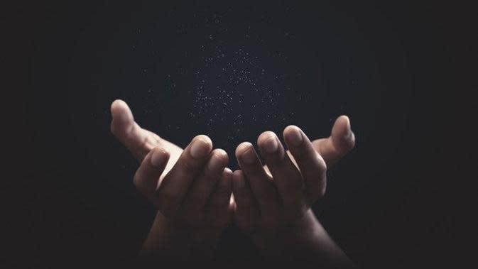 Lantunkan Doa Ini Agar Terlepas dari Jeratan Utang