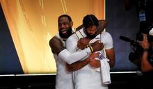 NBA》到湖人與詹姆斯聯手 戴維斯圓了總冠軍夢!