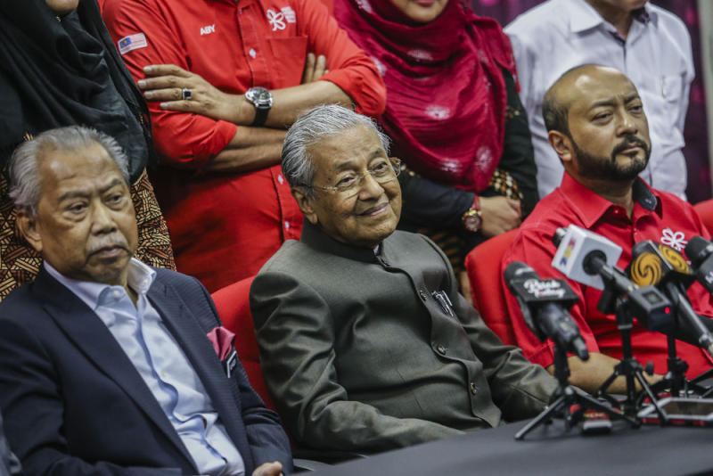 (From left) Tan Sri Muhyiddin Yassin, Tun Dr Mahathir Mohamad and Datuk Seri Mukhriz Mahathir attend a press conference after the PPBM Supreme Council meeting in Kuala Lumpur January 29, 2019. — Picture by Hari Anggara