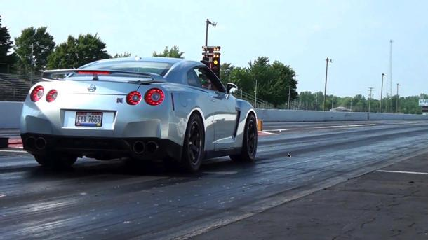 Tuned Nissan GT-R crushes the quarter mile in 8.61 seconds