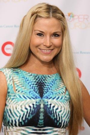 Diem Brown candidly shares her cancer battle, including hair loss