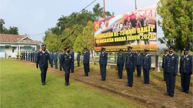 VIVA Militer: Upacara Peringatan Hari Bhakti TNI AU ke 73 di Lanud Haluoleo
