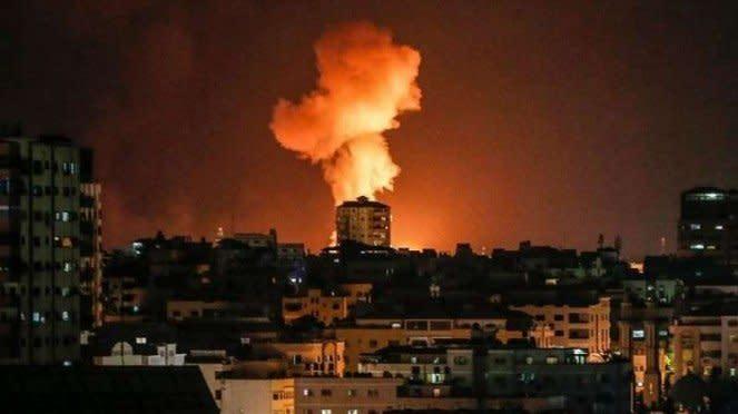 VIVA Militer: Ledakan di Gaza, Palestina, akibat serangan militer Israel