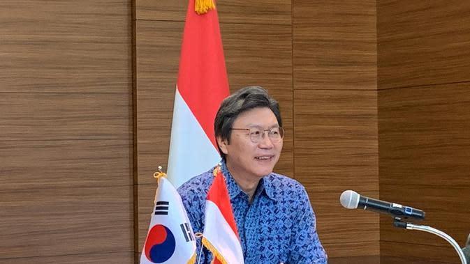 Duta Besar Korea untuk Indonesia, Kim Chang-beom ketika memaparkan hasil kerja sama dengan Indonesia dan agenda di 2020 kepada media pada Selasa 14 Januari 2020. (Liputan6.com/Benedikta Miranti T.V)
