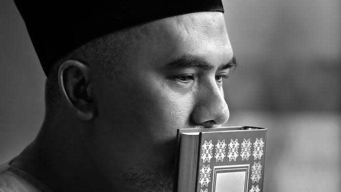 Bagi Saipul Jamil, dekat dengan agama dan Tuhan, menjadikannya kuat menghadapi cobaan. (Foto: Bambang E Ros, DI: Muhammad Iqbal Nurfajri)
