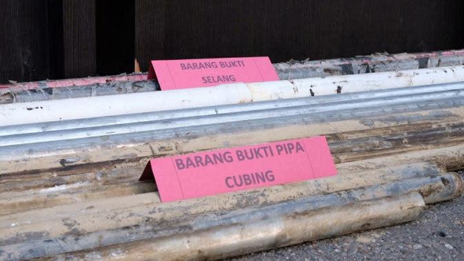 Barang bukti yang disita Polda Riau dari sindikat pencurian minyak mentah PT Chevron. (Liputan6.com/M Syukur)
