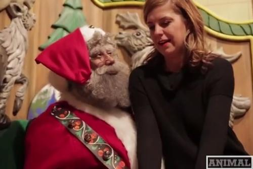 Black Santa Found Hiding at Macy's – Alert Fox News' Megyn Kelly! (Video)