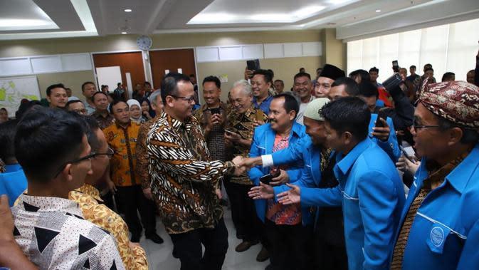 Menteri Kelautan dan Perikanan Edhy Prabowo menghadiri dialog dan focus group discussion (FGD) bersama Pusat Pelatihan Mandiri Kelautan dan Perikanan (P2MKP) di Kantor Kementerian Kelautan dan Perikanan (KKP).
