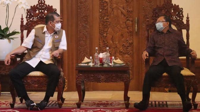Bali punya tokoh adat yang kuat, Ketua Satgas COVID-19 Doni Monardo pun mereka mengajak beri pemahaman protokol kesehatan pada masyarakat dalam rapat koordinasi bersama Provinsi Bali di Denpasar, Jumat (9/10/2020). (Badan Nasional Penanggulangan Bencana/BNPB)