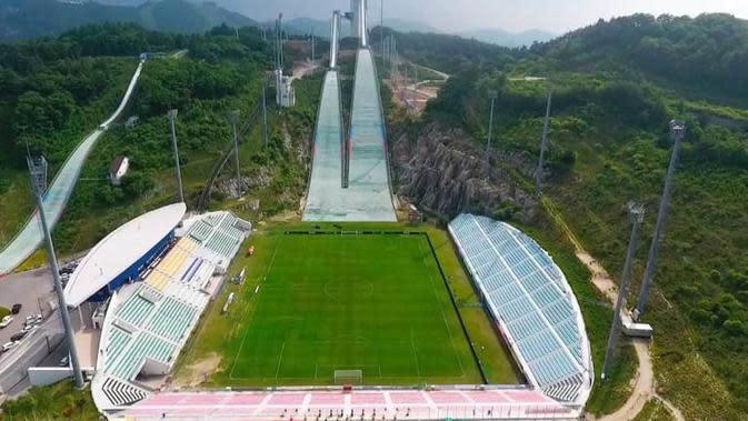 Stadion terindah di Asia, Alpensia Ski Jumping Stadium (Korea Selatan). (Bola.com/Dok. AFC)