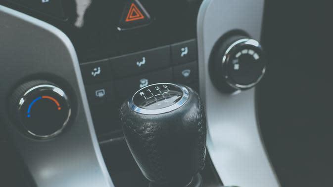 Cara Mengemudi Mobil Manual yang Benar (Sumber: Pixabay)