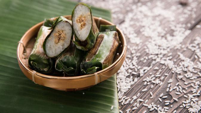 ilustrasi aneka macam daun yang digunakan untuk pembungkus makanan yang praktis dan ramah lingkungan/Odua Images/shutterstock