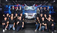 鴻海首辦科技日 秀研發肌肉宣布與裕隆合作跨足電動車