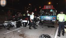 黃大仙辣跑變炮彈飛車撼的士小巴 警昨晚拘捕涉案司機