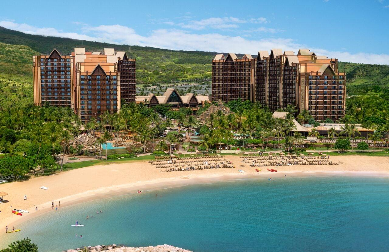 <p>One of the biggest draws at Aulani is its beautiful beaches. The resort has its own private beach with tons of activities for adults and kids. This is what fun in the sun is all about!</p>