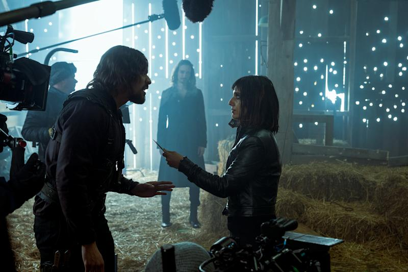 (L to R) David Casta Eda as Diego Hargreeves, Robert Sheehan as Klaus Hargreeves and Ritu Arya as Lila in episode 210 of The Umbrella Academy