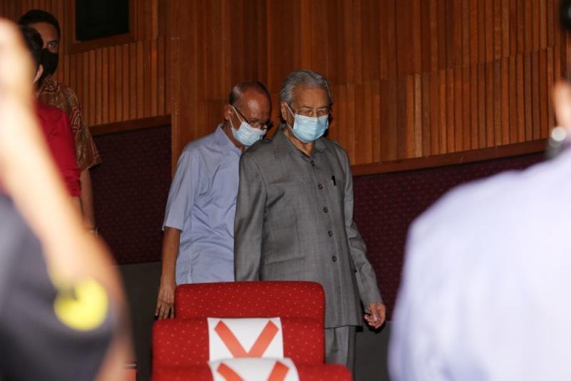 Tun Dr Mahathir Mohamad arrives for a press conference at Yayasan Kepimpinan Perdana in Putrajaya May 18, 2020. — Picture by Choo Choy May