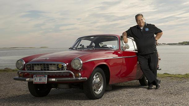 The 3 millionth mile of Irv Gordon's '66 Volvo P1800 rolls into view