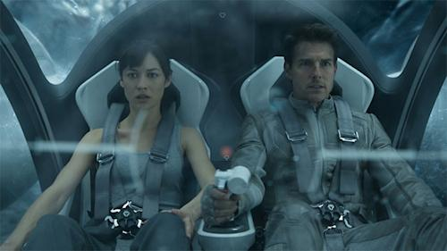'Oblivion' First Look: Tom Cruise Lost in Space