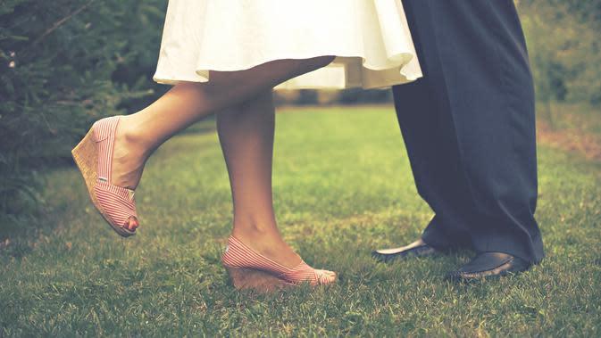 Ilustrasi Berdansa (Gambar oleh Scott Webb dari Pixabay)