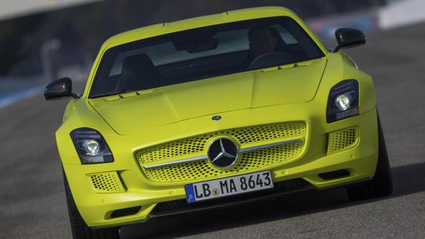 2014 Mercedes-Benz SLS AMG Electric Drive, a real shocker: Motoramic Drives